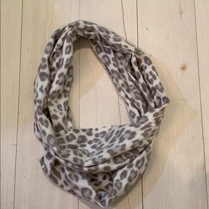 Accessories - Winter scarf